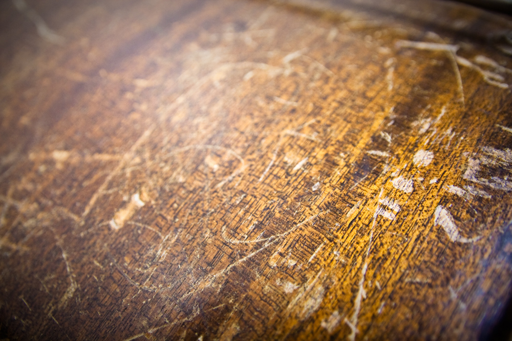 how to remove scratches from wood with vinegar