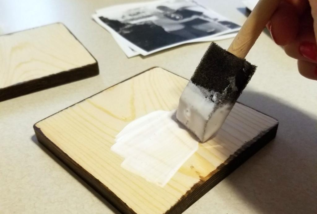 how to put a picture on wood with modge podge