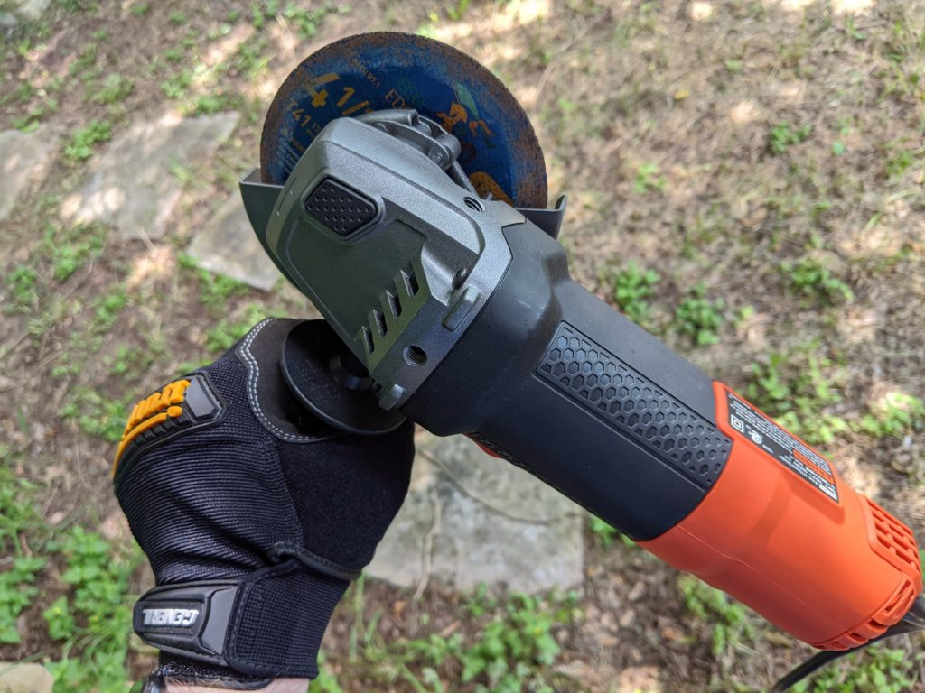 can you cut wood with an angle grinder