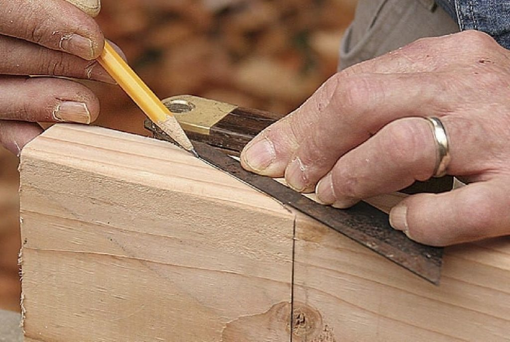 how to cut angles in wood