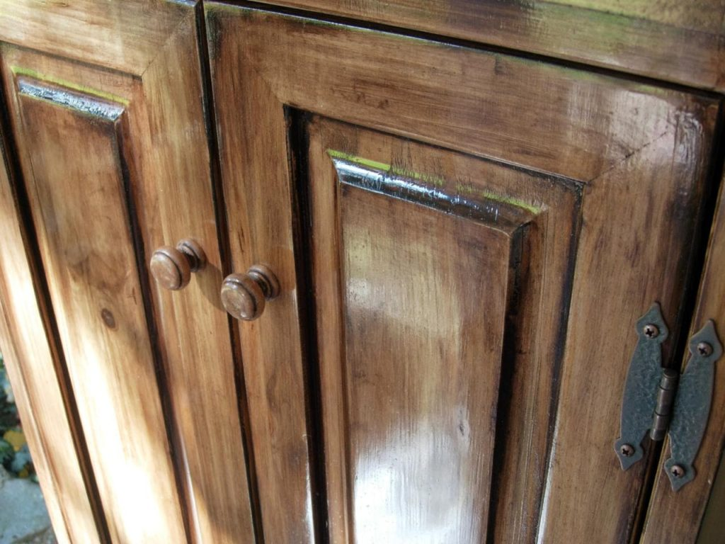 how to restain cabinets